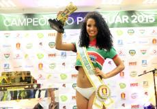 Larissa de Lima Moura, representante do Santa Cruz, é musa do futebol potiguar 2015 (Foto: Canindé Soares)
